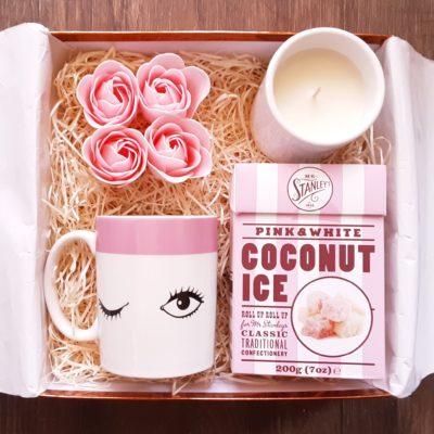 Eye wink Pink