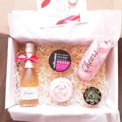 Pink love box